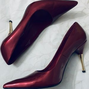 TOWN SHOES BRAND APPLE RED HEELS